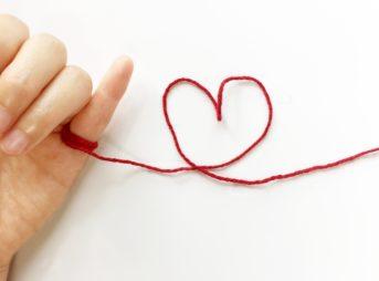 一目惚れから始まる恋は運命?長続きする?男性心理と一目惚れされる女性の特徴!