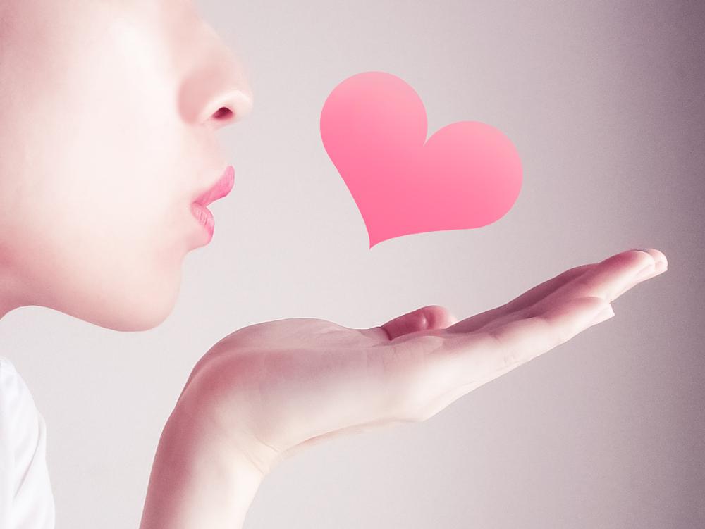 夢占いキスする夢