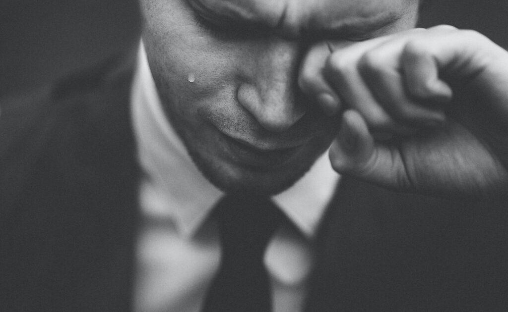 彼氏 泣く 対処法